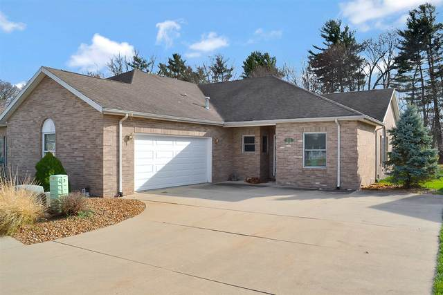 211 Buckingham Drive, Monticello, IN 47960 (MLS #202046682) :: The Carole King Team