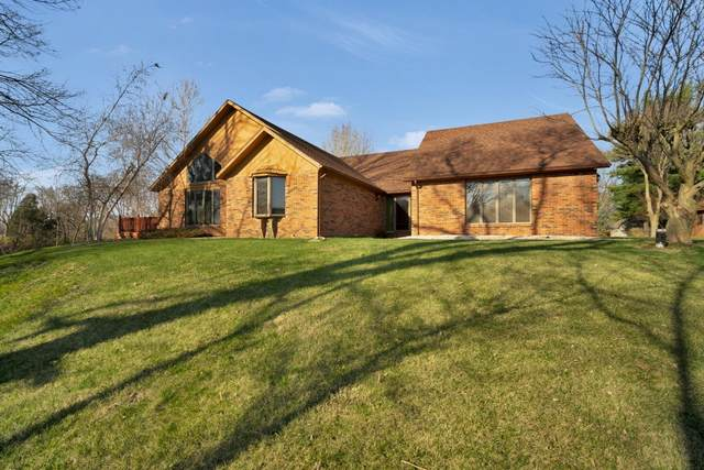 1516 Lindenwood Lane, Kokomo, IN 46902 (MLS #202046754) :: The Romanski Group - Keller Williams Realty