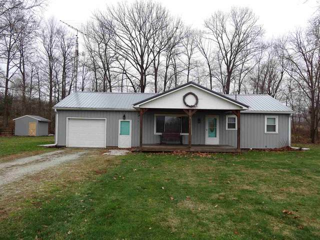 2437 E 950 S, LaFontaine, IN 46940 (MLS #202047258) :: The Romanski Group - Keller Williams Realty