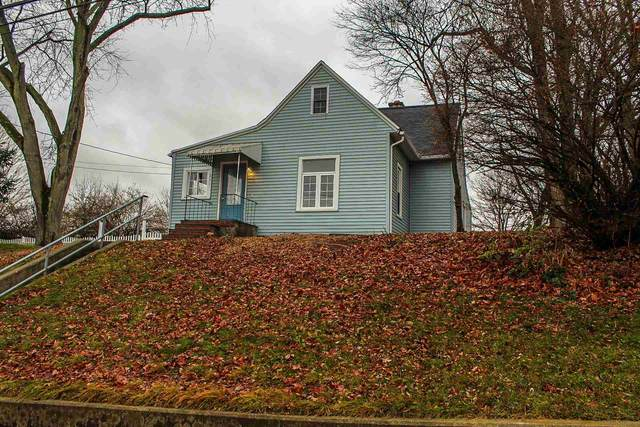 251 W Vine Street, Roanoke, IN 46783 (MLS #202047268) :: Hoosier Heartland Team | RE/MAX Crossroads