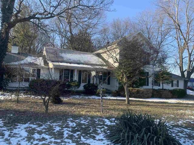 1513 W North Street, Kendallville, IN 46755 (MLS #202047352) :: Hoosier Heartland Team | RE/MAX Crossroads