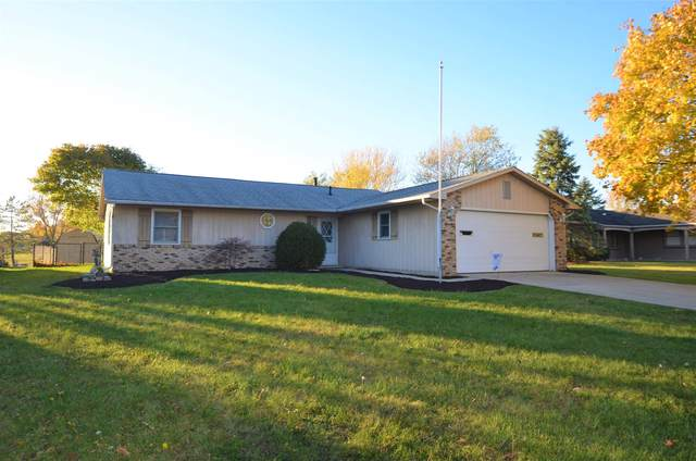 3826 Aboite Lake Drive, Fort Wayne, IN 46804 (MLS #202048589) :: Aimee Ness Realty Group