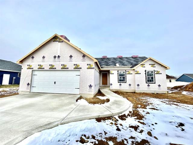 Magill Court, Syracuse, IN 46567 (MLS #202049446) :: Parker Team