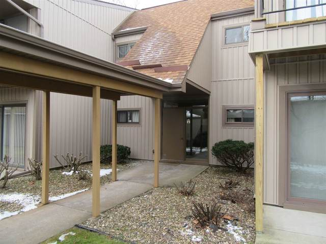 2005 Waterview Court B, South Bend, IN 46637 (MLS #202050018) :: The Natasha Hernandez Team