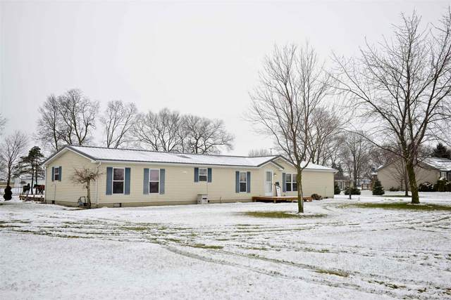 7855 W 615 S, Topeka, IN 46571 (MLS #202100247) :: Parker Team