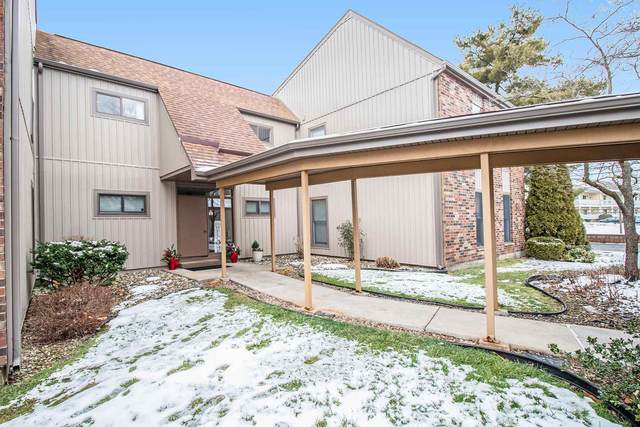 2025 Waterview Court D, South Bend, IN 46637 (MLS #202100425) :: The Natasha Hernandez Team