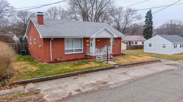 240 Forrest Avenue, Wabash, IN 46992 (MLS #202100956) :: The Romanski Group - Keller Williams Realty