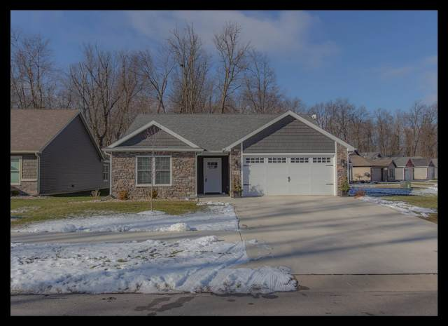 1945 Regency Drive, Angola, IN 46703 (MLS #202100965) :: Parker Team