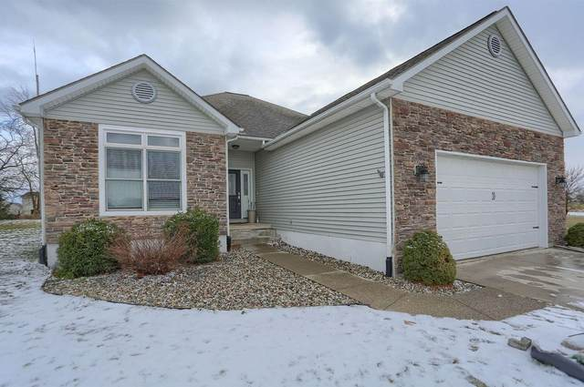 2015 Pheasant Ridge Dr, Warsaw, IN 46580 (MLS #202101779) :: Aimee Ness Realty Group