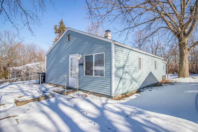3416 Woldhaven Drive, South Bend, IN 46614 (MLS #202102173) :: The Dauby Team