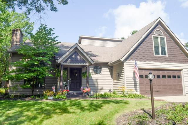 2610 S Trotters Run, Bloomington, IN 47401 (MLS #202102209) :: Parker Team