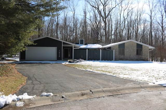 2115 S Grovesnor Place, Bloomington, IN 47401 (MLS #202103665) :: RE/MAX Legacy