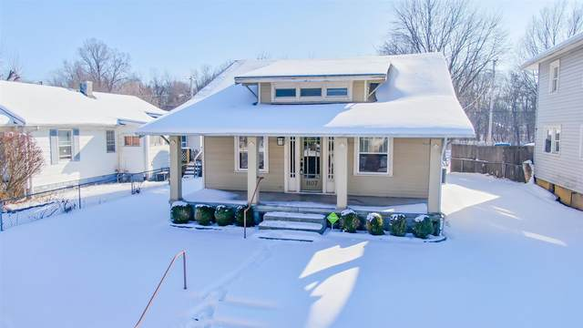 1107 W 6TH Street, Marion, IN 46953 (MLS #202103688) :: Aimee Ness Realty Group