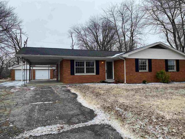 1288 S Stonehaven Circle, Boonville, IN 47601 (MLS #202104736) :: The Dauby Team