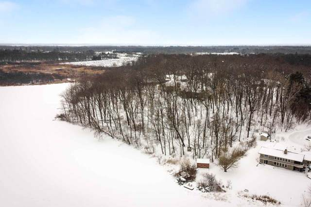 25977 Lakeview Drive, South Bend, IN 46619 (MLS #202105568) :: Parker Team