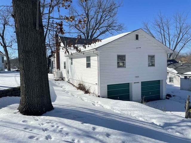 1920 Lane 120 Hamilton Lake, Hamilton, IN 46742 (MLS #202105682) :: Aimee Ness Realty Group