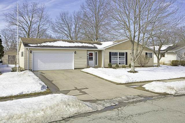 3205 Woodmont Drive, South Bend, IN 46614 (MLS #202105752) :: The ORR Home Selling Team