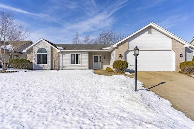 8519 Deer Brook Place, Fort Wayne, IN 46825 (MLS #202105824) :: The ORR Home Selling Team