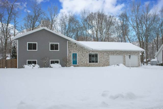 25088 Pin Oak Drive, South Bend, IN 46614 (MLS #202105856) :: The ORR Home Selling Team