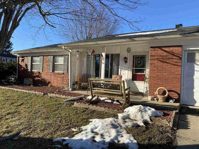 4216 W Middle Court, Bloomington, IN 47403 (MLS #202105879) :: Aimee Ness Realty Group