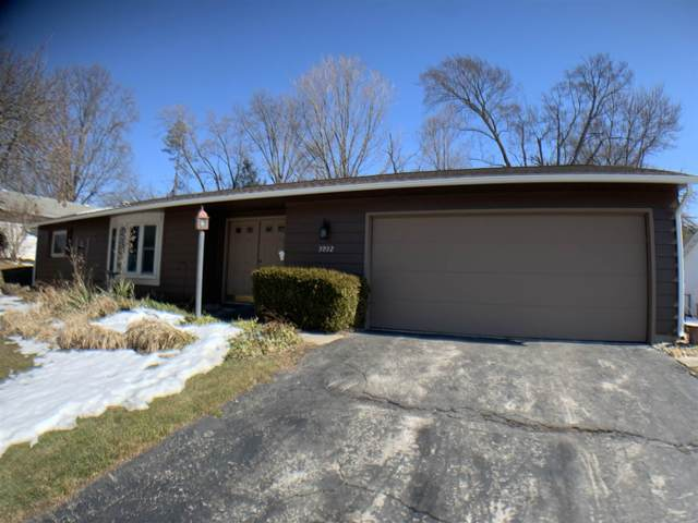 3032 Woodmont Drive, South Bend, IN 46614 (MLS #202105966) :: Anthony REALTORS