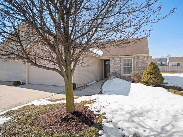 2019 Blue Sage Court, Fort Wayne, IN 46808 (MLS #202106094) :: Aimee Ness Realty Group