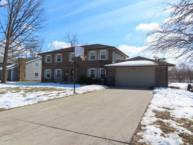 2101 W Pineview Drive, Muncie, IN 47303 (MLS #202106200) :: Hoosier Heartland Team | RE/MAX Crossroads