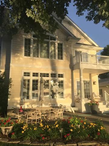 9926 N Bayshore Drive, Syracuse, IN 46567 (MLS #202106266) :: Aimee Ness Realty Group