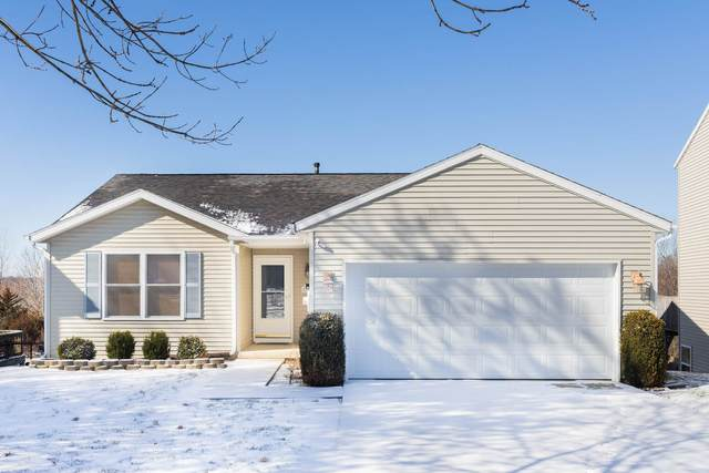 2724 S Pinehurst Drive, Bloomington, IN 47403 (MLS #202106434) :: Aimee Ness Realty Group