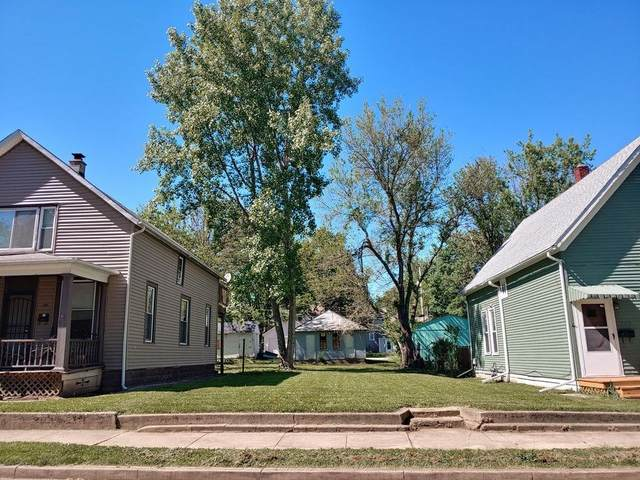 816 Grace Avenue, Fort Wayne, IN 46807 (MLS #202106937) :: Hoosier Heartland Team | RE/MAX Crossroads