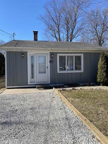 57963 Quebec Street, Elkhart, IN 46516 (MLS #202106985) :: The ORR Home Selling Team