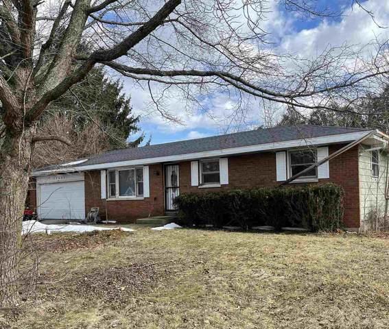 58486 Randy Drive, Goshen, IN 46528 (MLS #202106996) :: The ORR Home Selling Team
