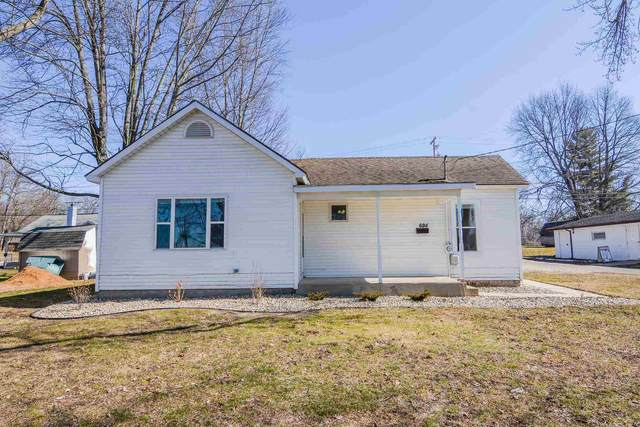 624 N Ellsworth Street, Warsaw, IN 46580 (MLS #202107061) :: TEAM Tamara