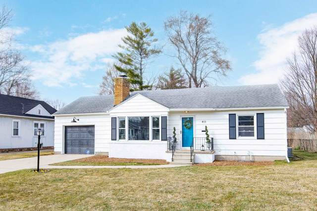 411 Parkovash Avenue, South Bend, IN 46617 (MLS #202108642) :: The Dauby Team