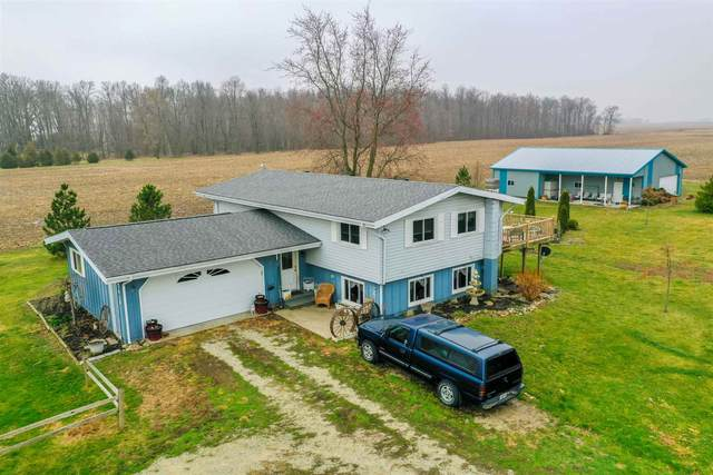 7410 S 450 W Road, South Whitley, IN 46787 (MLS #202109823) :: The Carole King Team