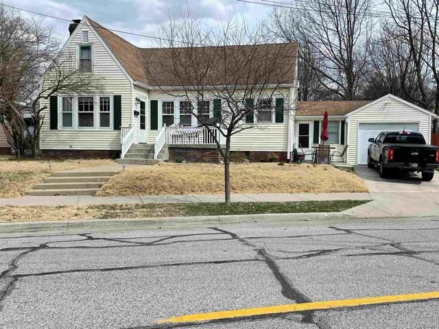 912 Robinson Street, West Lafayette, IN 47906 (MLS #202110769) :: The Romanski Group - Keller Williams Realty