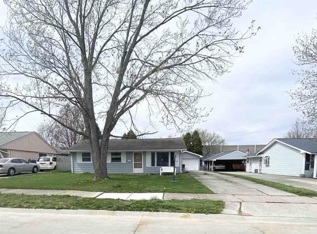 1303 Tulip Tree Road, Fort Wayne, IN 46825 (MLS #202111925) :: Parker Team
