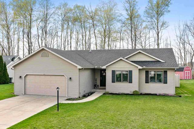 1615 Aspen Drive, Goshen, IN 46526 (MLS #202112736) :: The Dauby Team