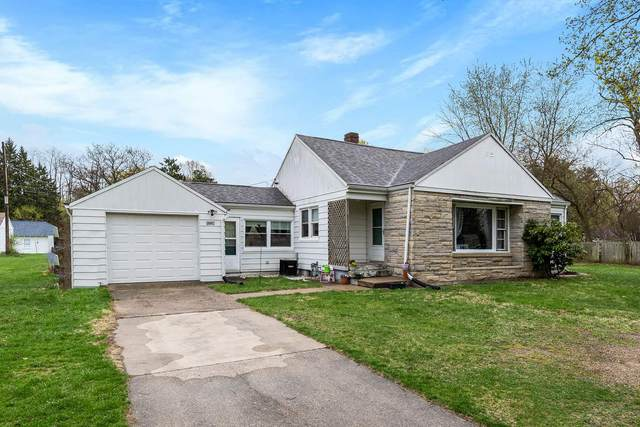 52226 Lily Road, South Bend, IN 46637 (MLS #202112816) :: Parker Team