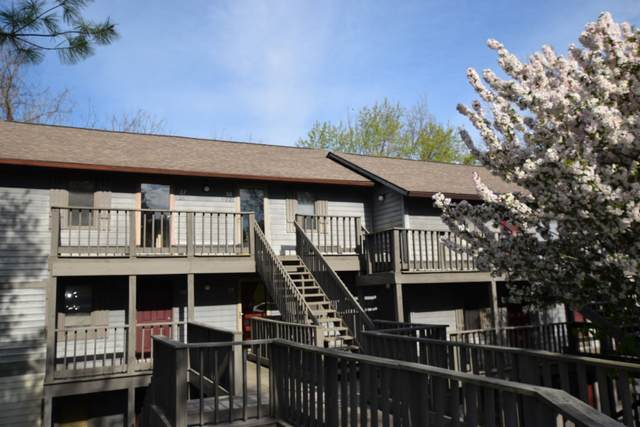 9217 S Pointe Retreat Drive #29, Bloomington, IN 47401 (MLS #202112904) :: The Dauby Team