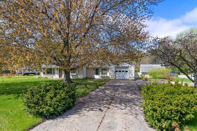 1547 N Hickory Road, South Bend, IN 46635 (MLS #202112991) :: Anthony REALTORS