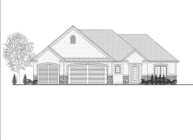 2262 Highlander Drive, Warsaw, IN 46580 (MLS #202113238) :: The Dauby Team
