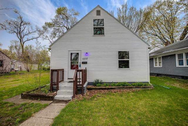 1837 N Johnson Street, South Bend, IN 46628 (MLS #202113425) :: RE/MAX Legacy