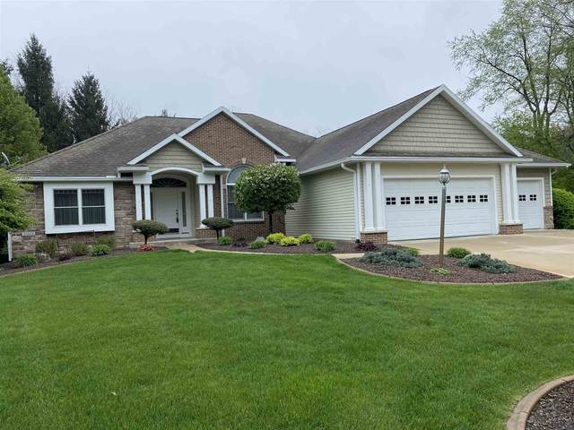 55818 Little Creek Lane, Middlebury, IN 46540 (MLS #202115392) :: Aimee Ness Realty Group