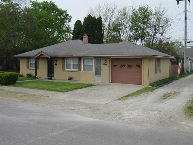 207 E Franklin Street, Spencer, IN 47460 (MLS #202115567) :: The ORR Home Selling Team