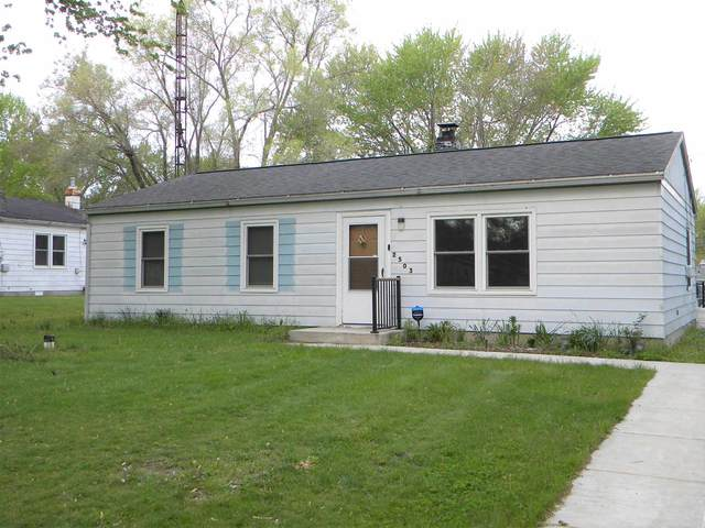 2503 Center Drive, Warsaw, IN 46580 (MLS #202116000) :: Aimee Ness Realty Group