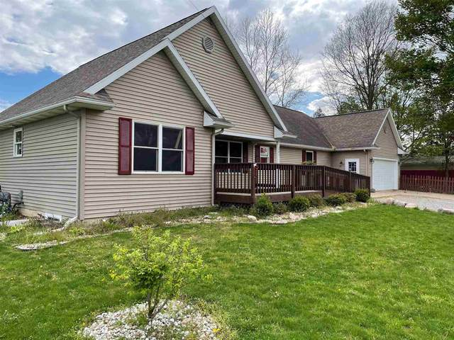 201 W Michigan Street, Bristol, IN 46507 (MLS #202116092) :: Parker Team