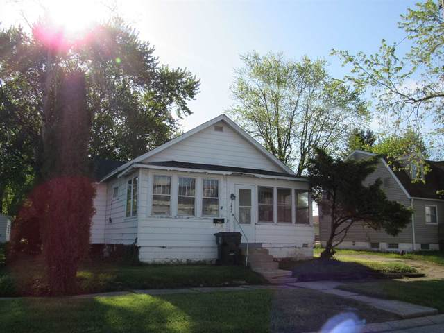 1435 Henry Street, Huntington, IN 46750 (MLS #202116584) :: Aimee Ness Realty Group