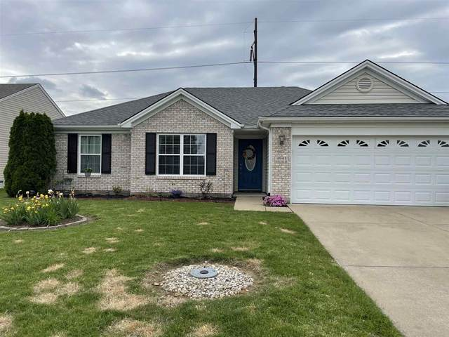 4941 Overland Drive, Newburgh, IN 47630 (MLS #202116932) :: Aimee Ness Realty Group
