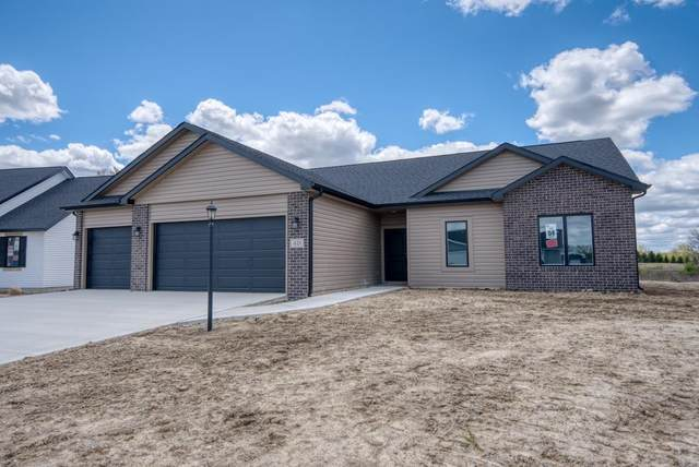 421 Stewart Creek Run, Avilla, IN 46710 (MLS #202116959) :: Hoosier Heartland Team | RE/MAX Crossroads